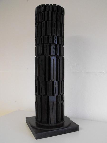 Giorgio Milani, Torre di Gutenberg, 2002, lettere tipografiche assemblate